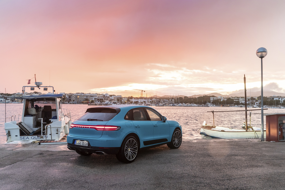 Macan Dr Ing H C F Porsche Ag Press Database